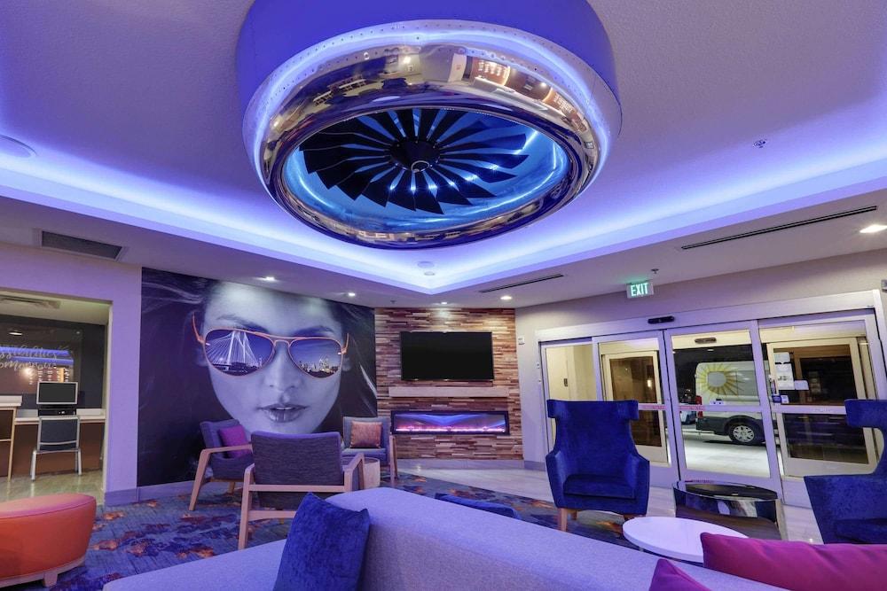 La Quinta Inn & Suites Dallas Love Field