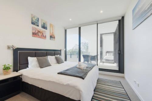 Modern Sleek Apartment in Heart of Macquarie Park