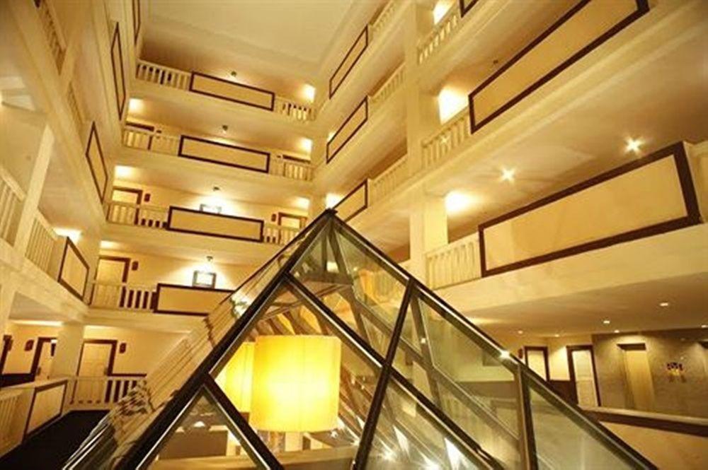Royal Peninsula Hotel