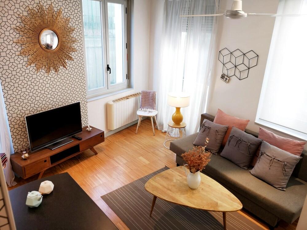 Apartamentos Moratin Las Letras