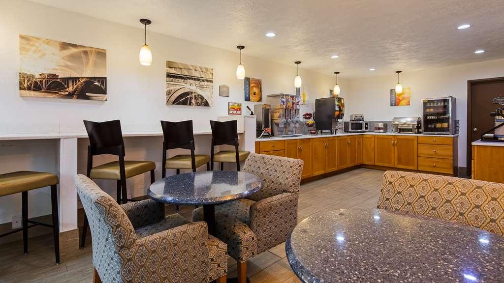 Gallery image of Best Western Regency Inn