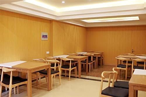 GreenTree Inn Jiangsu Suzhou Yangchenghu International Crab City Qianshuiwan Express Hotel