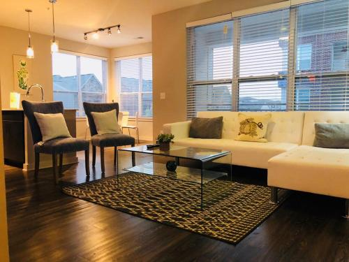 Luxury Elegant 2 B room Condo in Heart of Buckhead