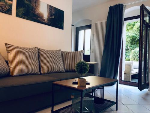 helles 2 Raum Apartment mit eigener Terrasse Dresden Altstadt