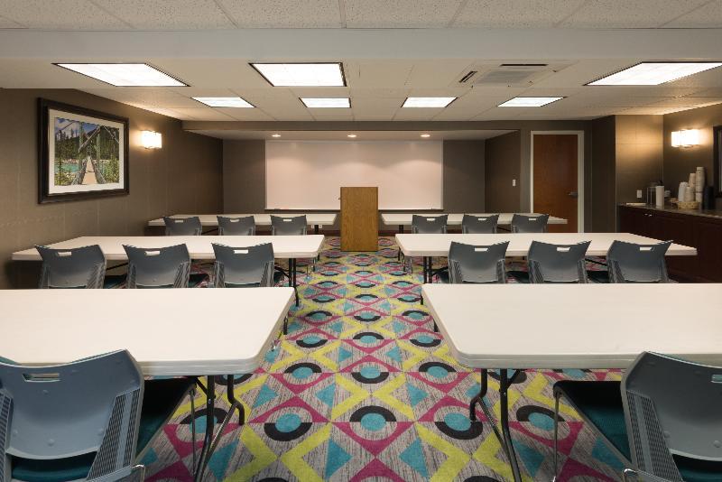 Holiday Inn Express & Suites Wheat Ridge Denver West