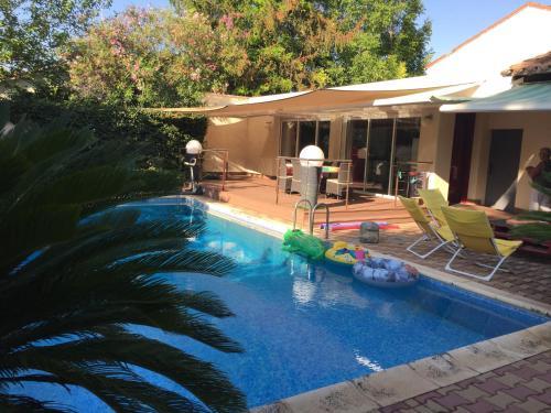 Loft avec piscine privative à 15 minutes à pied de la place de la Comédie