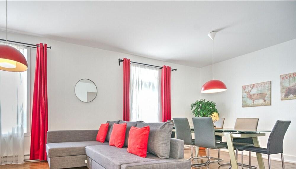 The CH Plateau Big 4 Bedroom Flat By Liv MTL 3