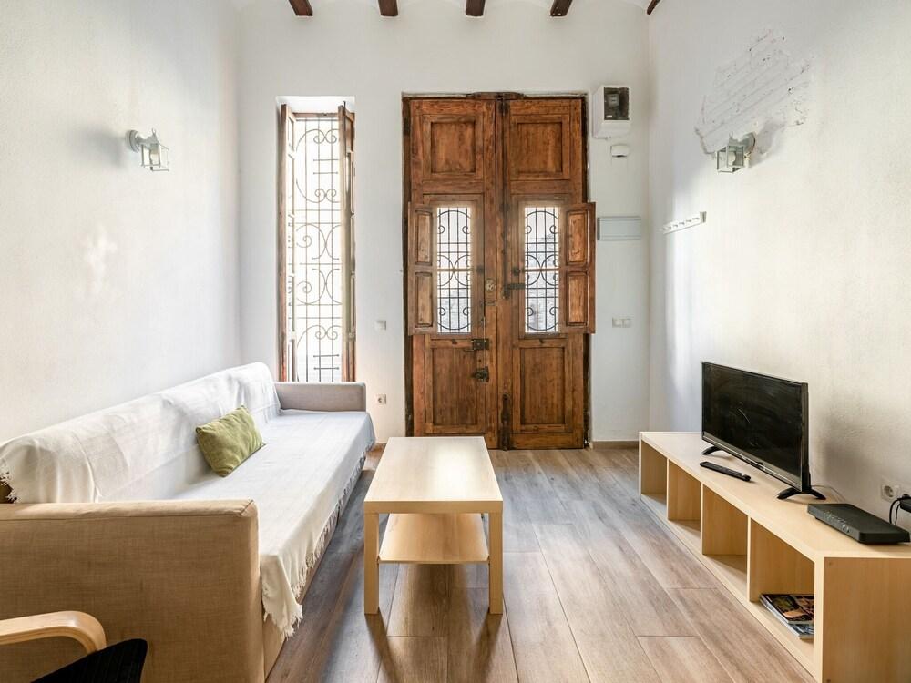 Captivating Holiday Home in Valencia near Seabeach