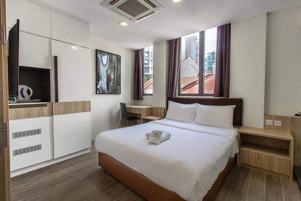Q Loft Hotels@Mackenzie