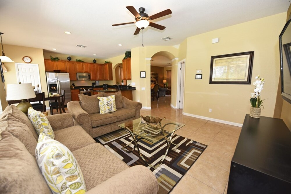 7825 Windsor Hills Resort 6 Bedroom Villa