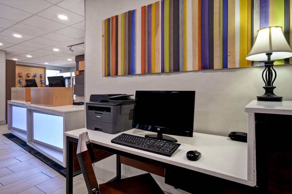 Gallery image of Holiday Inn Express & Suites Allentown Dorney Park Area