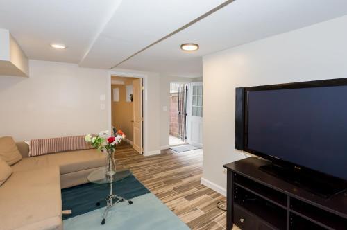 2 Full Bedrooms Basement Apt; 3 Min Walk To Petworth Metro;