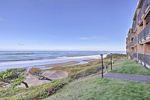 Lincoln City Beach Condo with Clubhouse and Pool Access