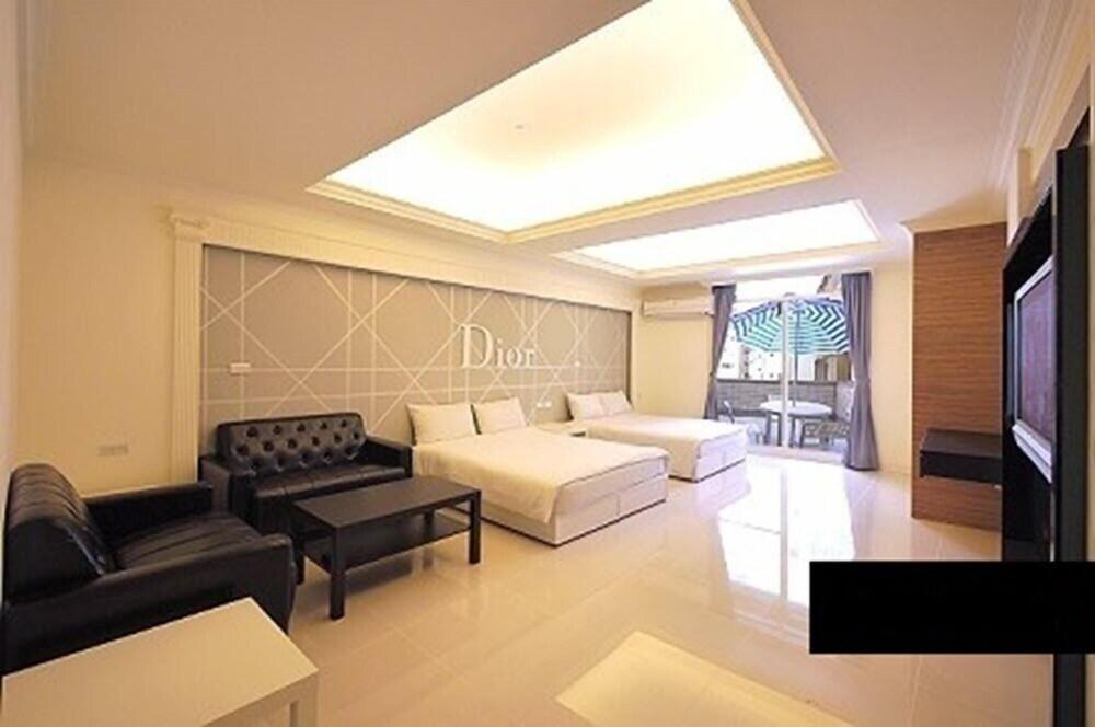 Paris apartment II
