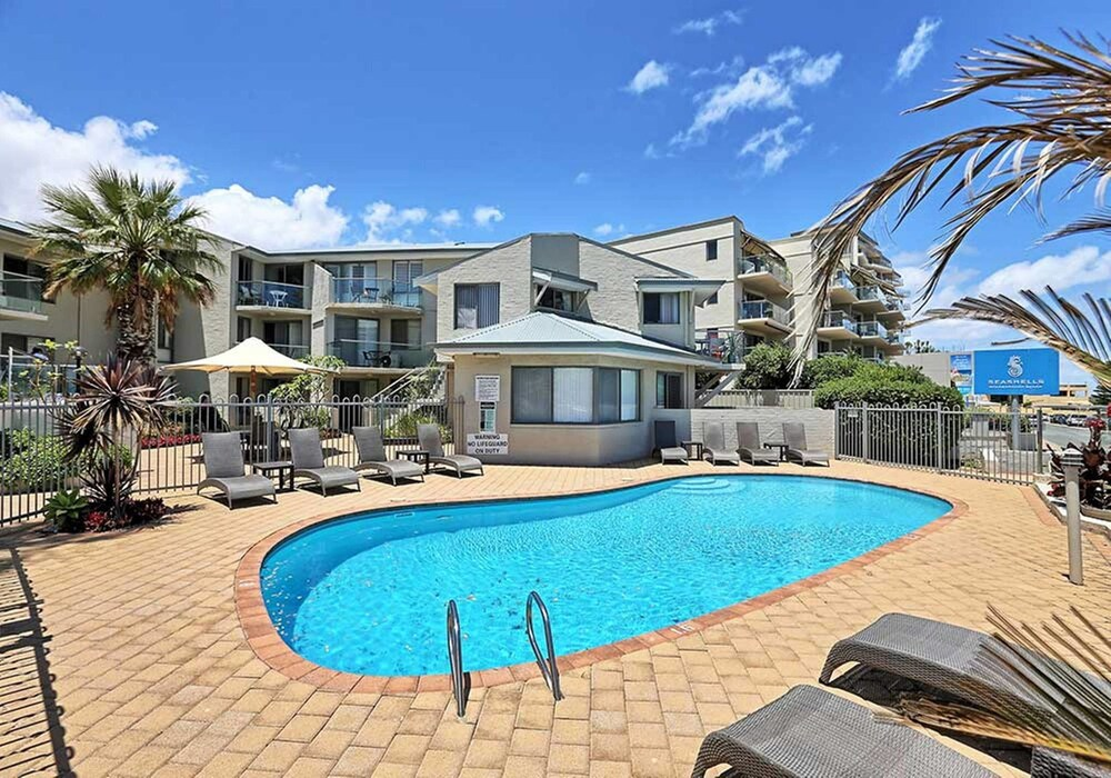 Scarborough Beach Front Resort Shell 7