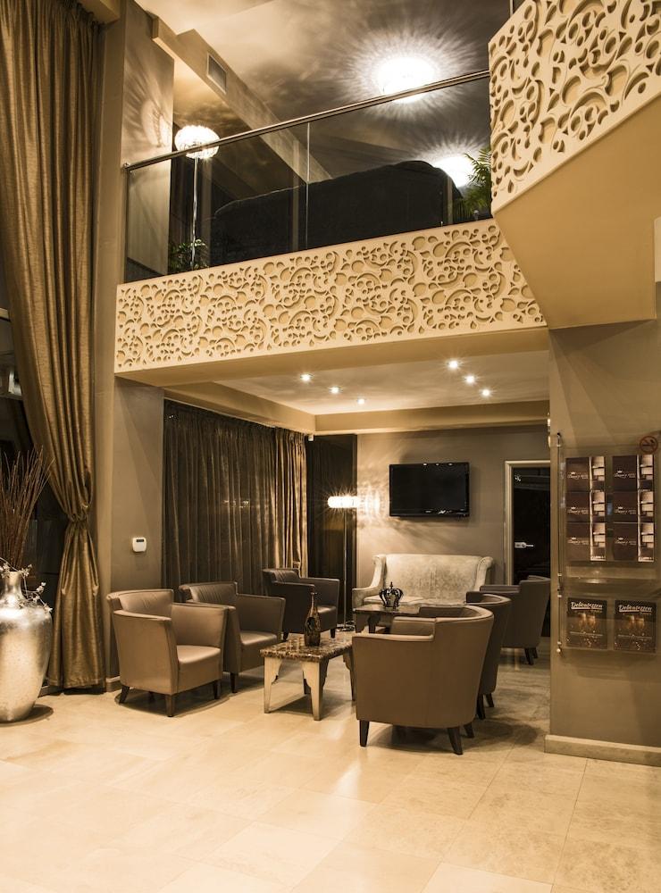 Gallery image of Queen's Hotel
