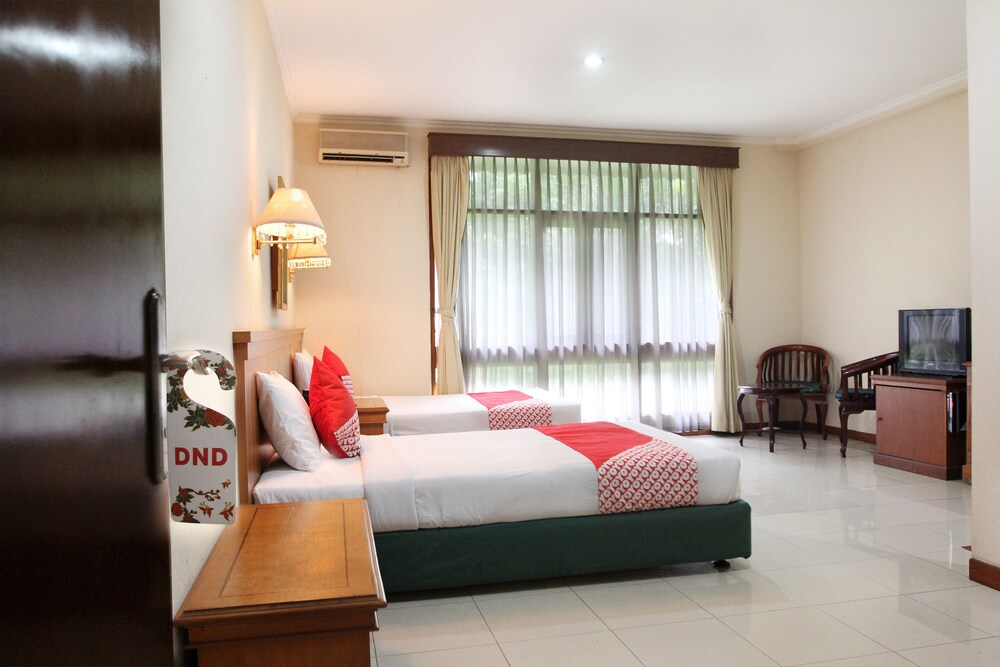 OYO 154 Griya Patria Guest House