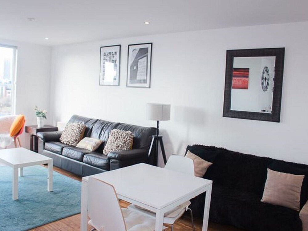 Plush Apartment in Manchester near IWM North