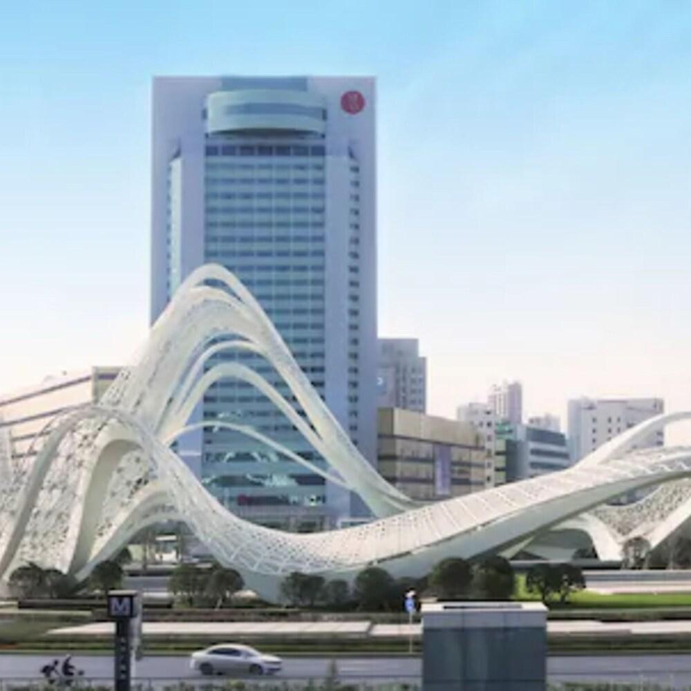Ramada Plaza by Wyndham Wuhan Optics Valley Hotel