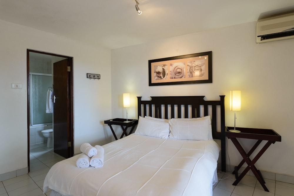 San Lameer Villa Rentals 2826