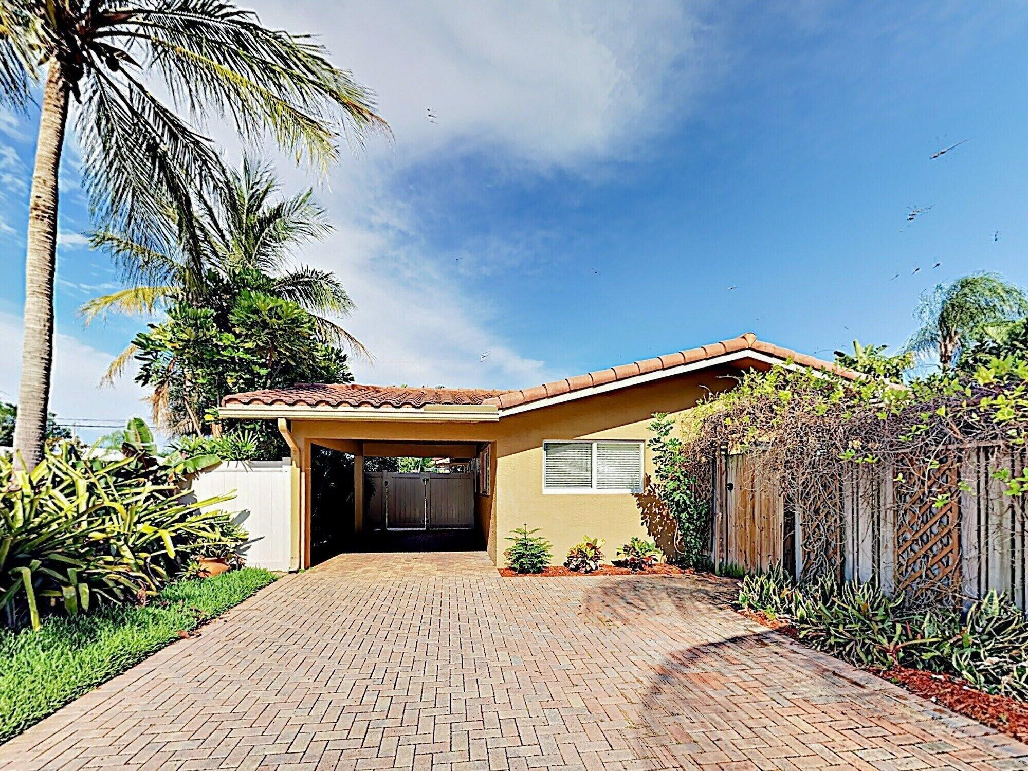 New Listing Spanish style W pool Nearby Beach 3 Bedroom Home