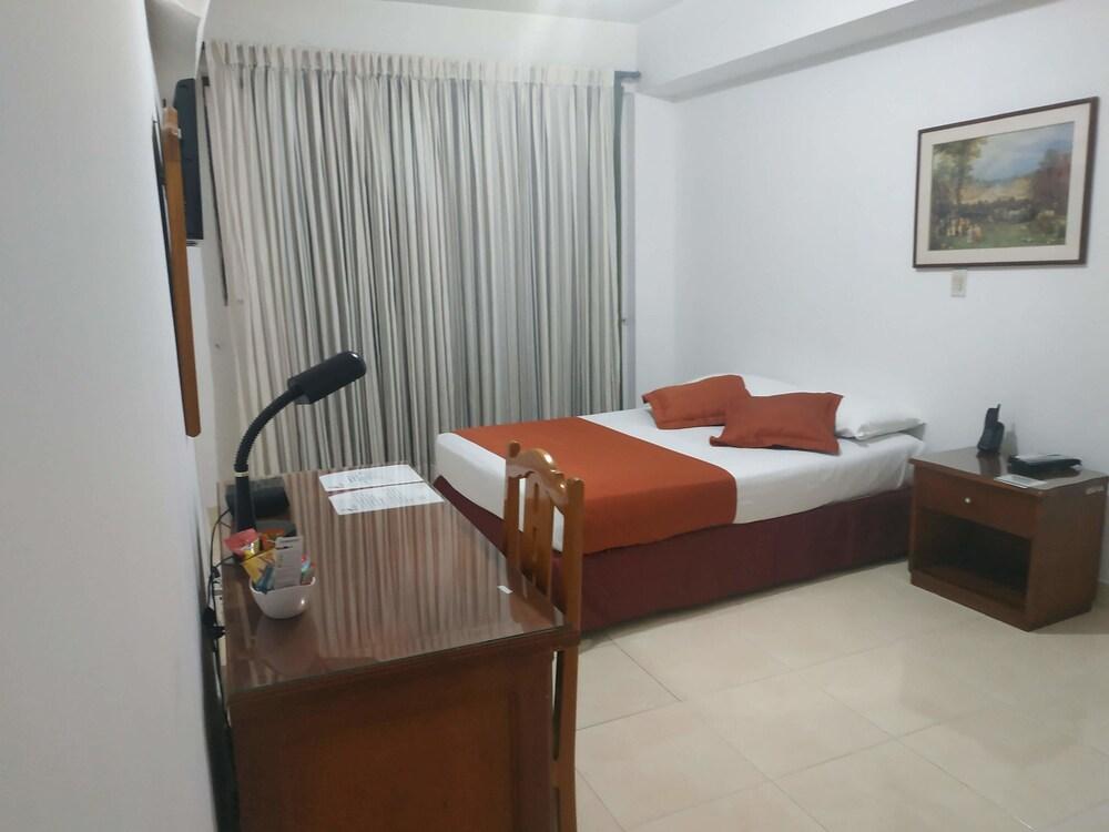 Gallery image of Hotel Laureles 70