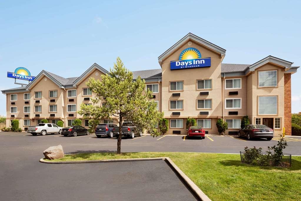 Days Inn & Suites by Wyndham Golden Denver West