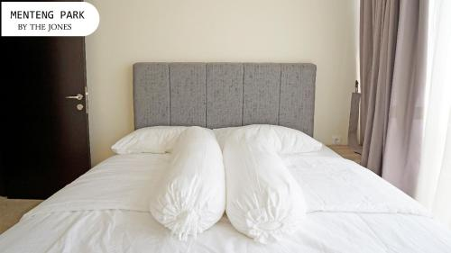 Comfort and Cozy Studio Room at Menteng Park Apartment