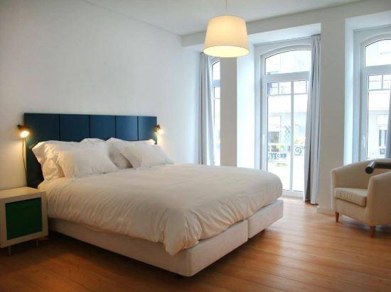 My Place Lisbon Lounge Suites