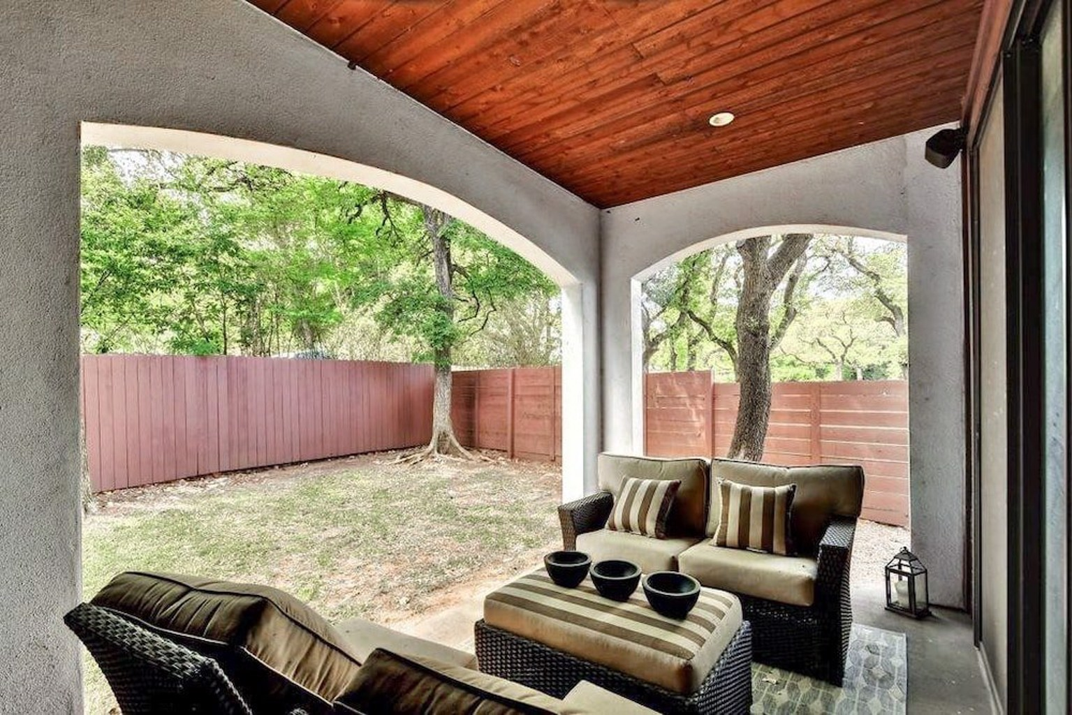 2111 Melridge Place Townhouse 2 Br condo by RedAwning