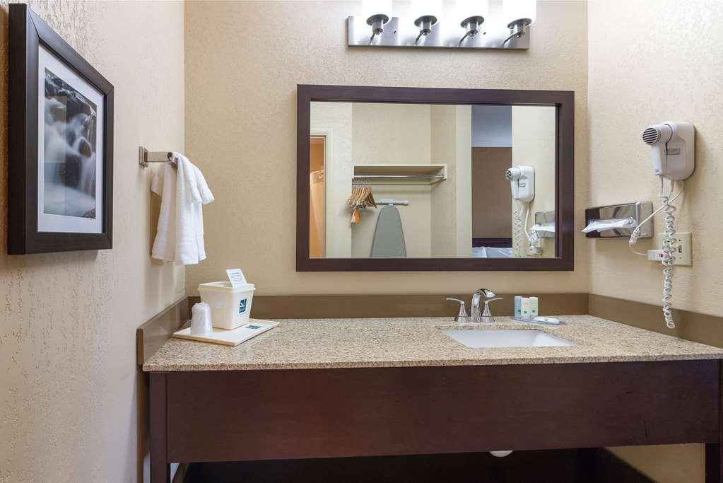 Gallery image of Quality Inn Yakima near State Fair Park