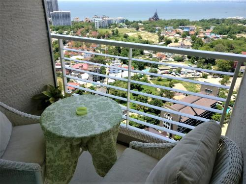 Most livable condo on 32nd fl. sea view Superhost