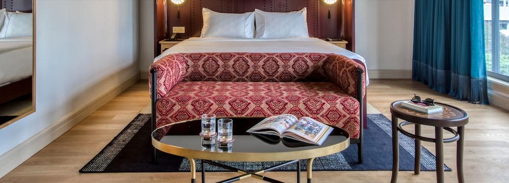 The Chow Kit an Ormond Hotel