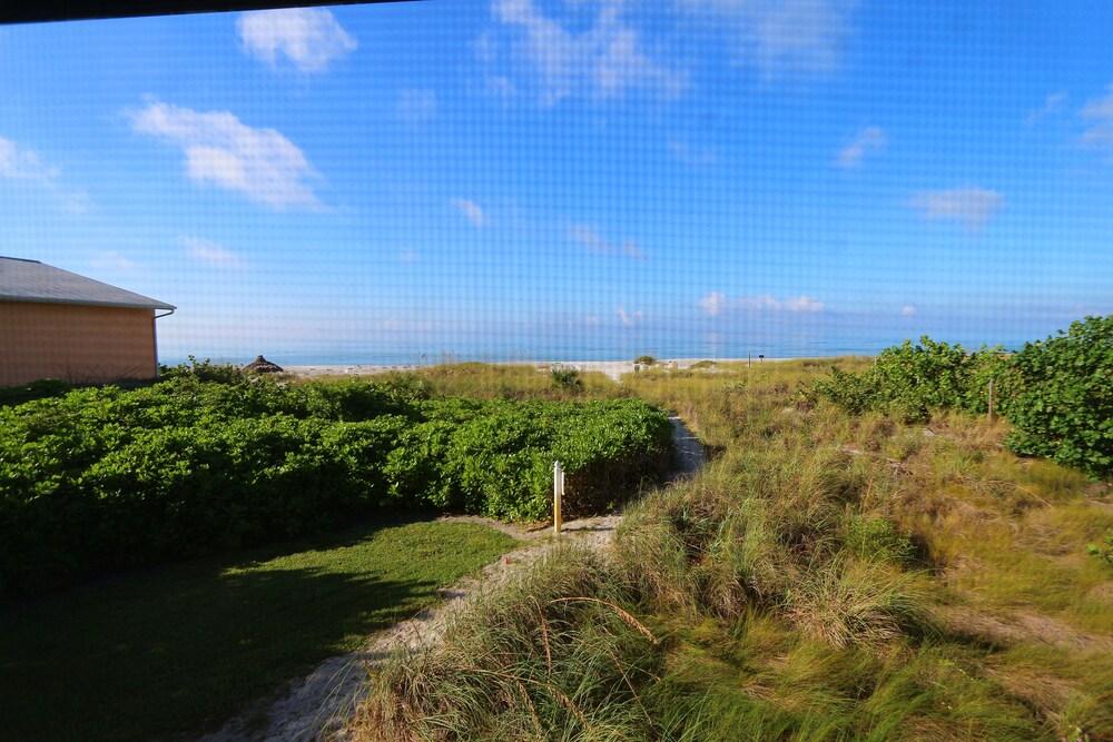 Gallery image of Cabana Beach Club by RVA