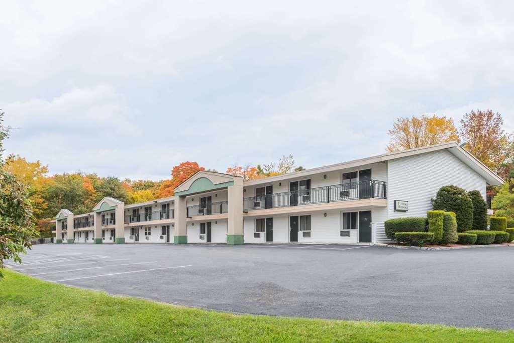 Gallery image of Days Inn by Wyndham Lenox MA