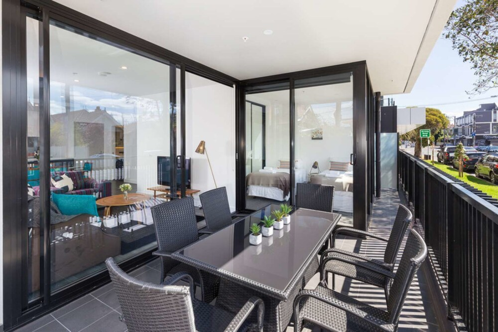 Executive 3 br Caulfield North