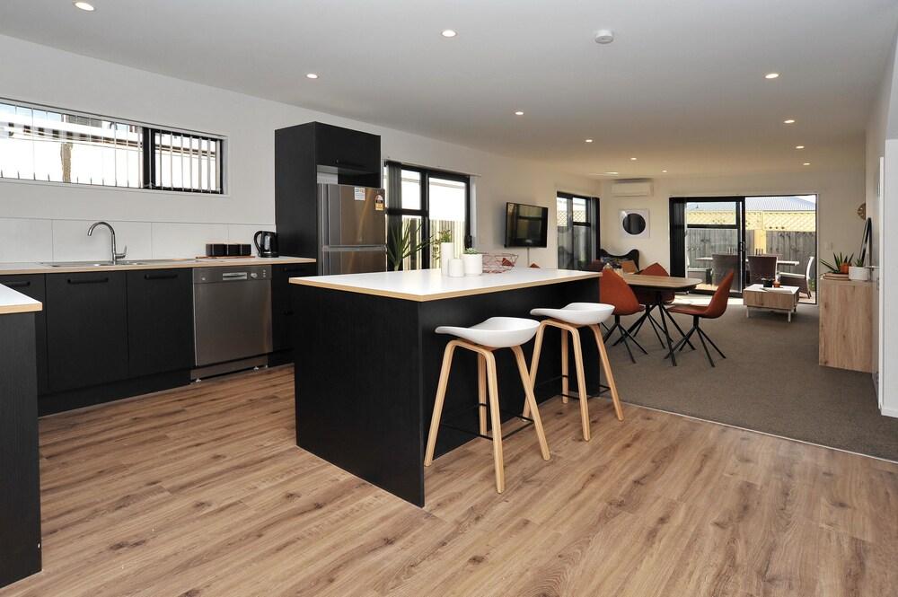 Parlane Apartment 3