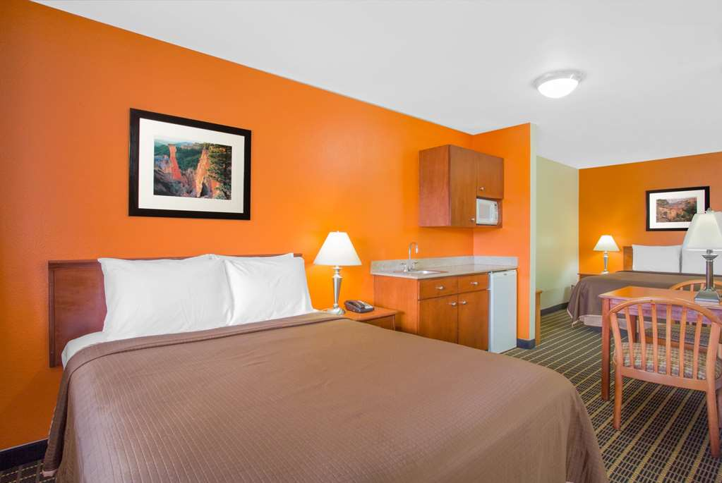 Gallery image of Howard Johnson by Wyndham St. George Hotel & Suites