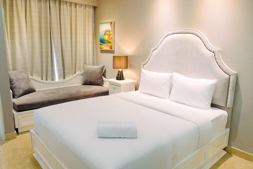 Elegant Studio Menteng Park Apartment By Travelio