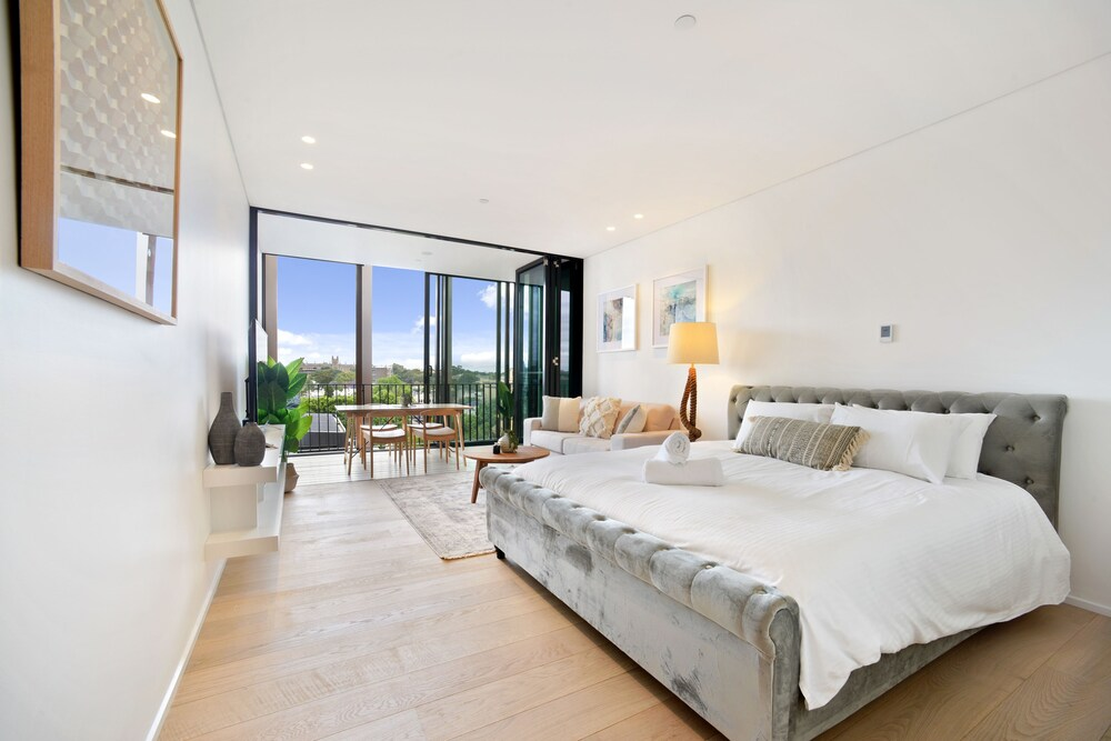 Modern Luxury Apartment in the Heart of Sydney CBD