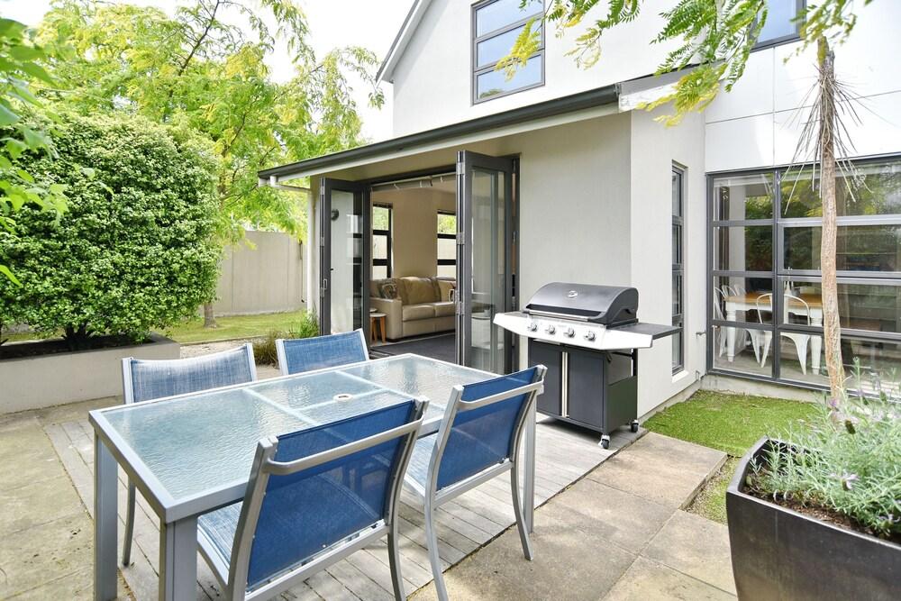 Hagley Apartment Christchurch Holiday Homes