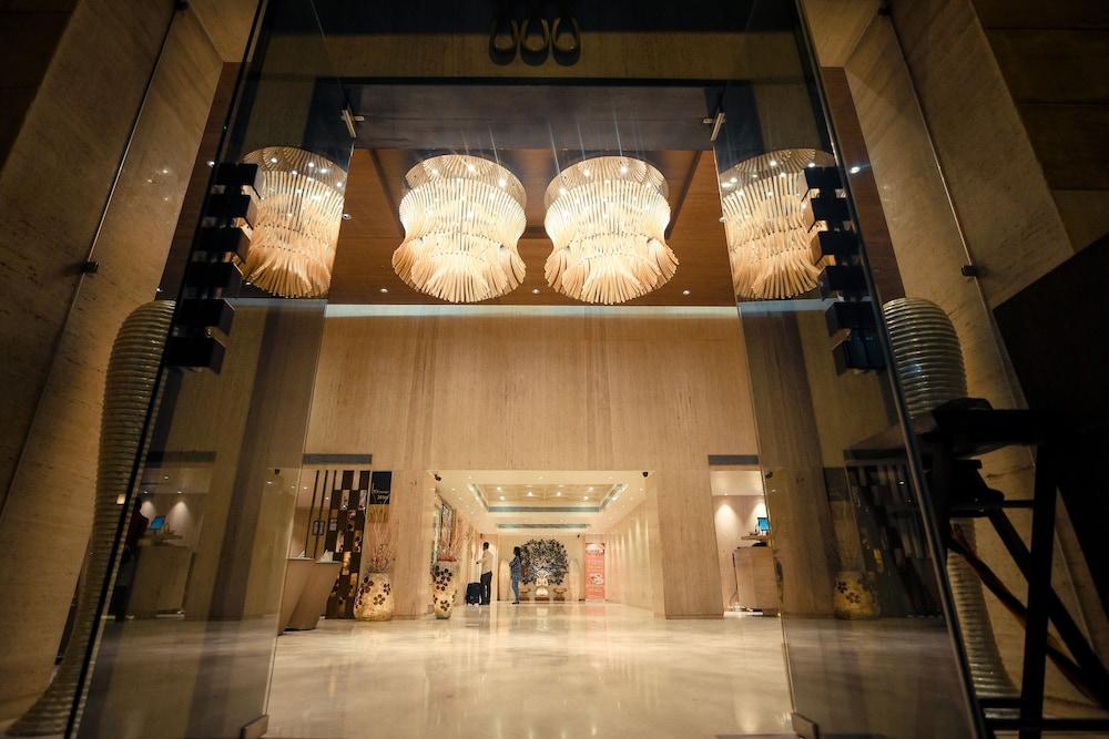 Monotel Luxury Business Hotel
