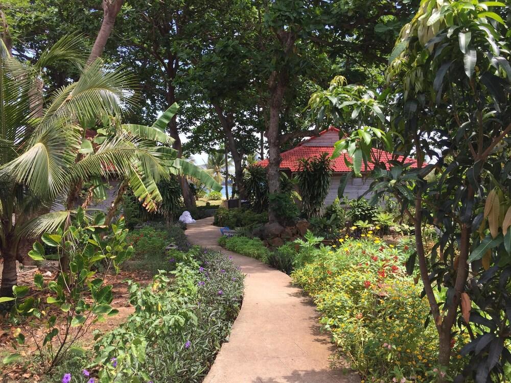 Gallery image of Tan Son Nhat Con Dao Resort