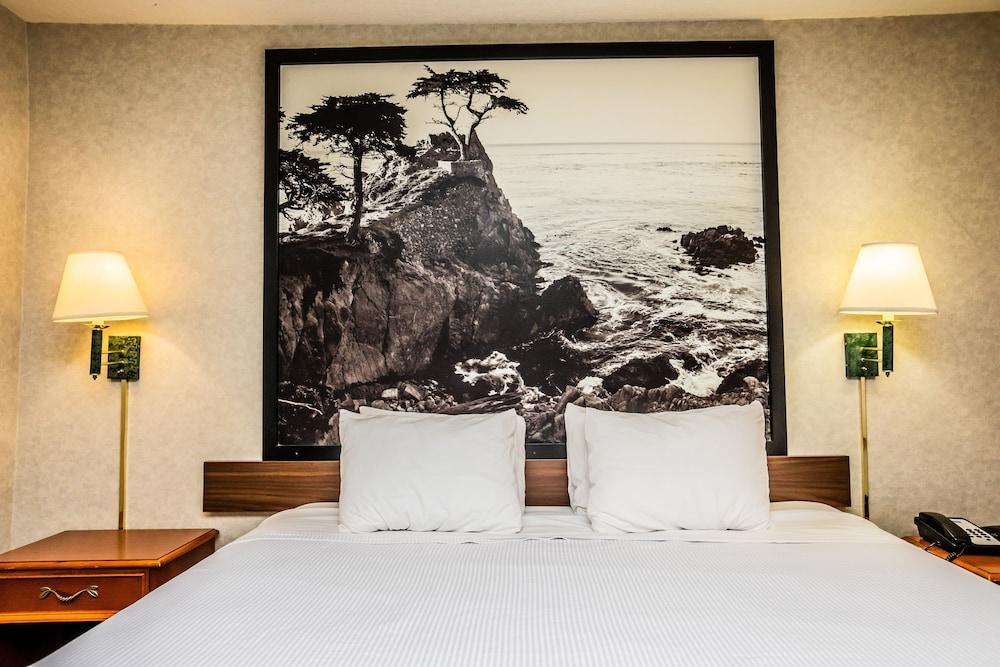 Gallery image of Pelican Inn Monterey