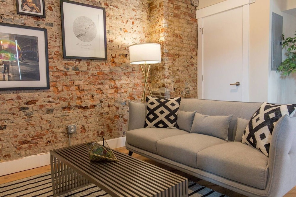Modern & Cozy Philly Apartment Perfect Location