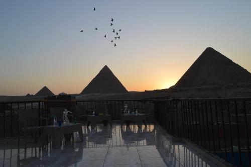 Comfort Pyramids inn