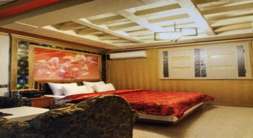Dandelion Motel