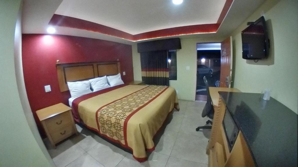 Gallery image of Travel Inn of Riviera Beach