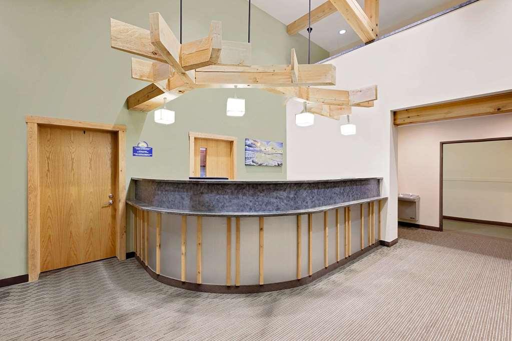 Gallery image of Days Inn by Wyndham Cadillac