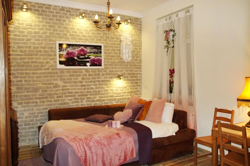 Orchid Apartment Near Wawel Castle
